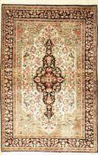 Seiden Ghom, Persien, ca. 40 Jahre, reine Naturseide, ca. 160 x 105 cm, EHZ: 2