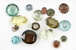 Lot loose zircones total 24.67 ct, different colours and shapes Valuation Price: 1600, - EUR