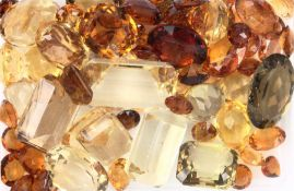 Lot loose citrines total 332 ct, different colour shades and shapes Valuation Price: 3600, -