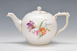 tea pot, KPM Berlin, around 1920, Osier rim, polychrome painting of german floral bouquet, strewn