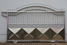 Portal Gate, stainless steel, decorations in the form of spheres, privacy screens, designedas
