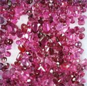 Lot loose bevelled rubies , total 22.00 ct, in different cuts, i.a. stones with traces of mounting