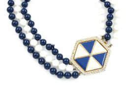 Costum jewellery necklace, VALENTINO , Italy approx. 1970/80s, clasp hexagonal with hard laquer in