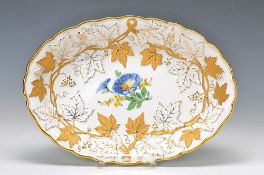 Oval bowl, Meissen, Pfeiffer period, 1924- 1934, embossed and matt- and glossy gilding, in the