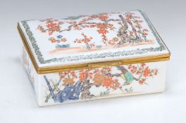 Large lid box, France, around 1880, porcelain, after Chinese model, rock- and bird pattern, brass