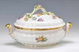 Small Lidded bowl, Meissen, 20th c., porcelain, opulent embossed, painted in brightcolors with fruit