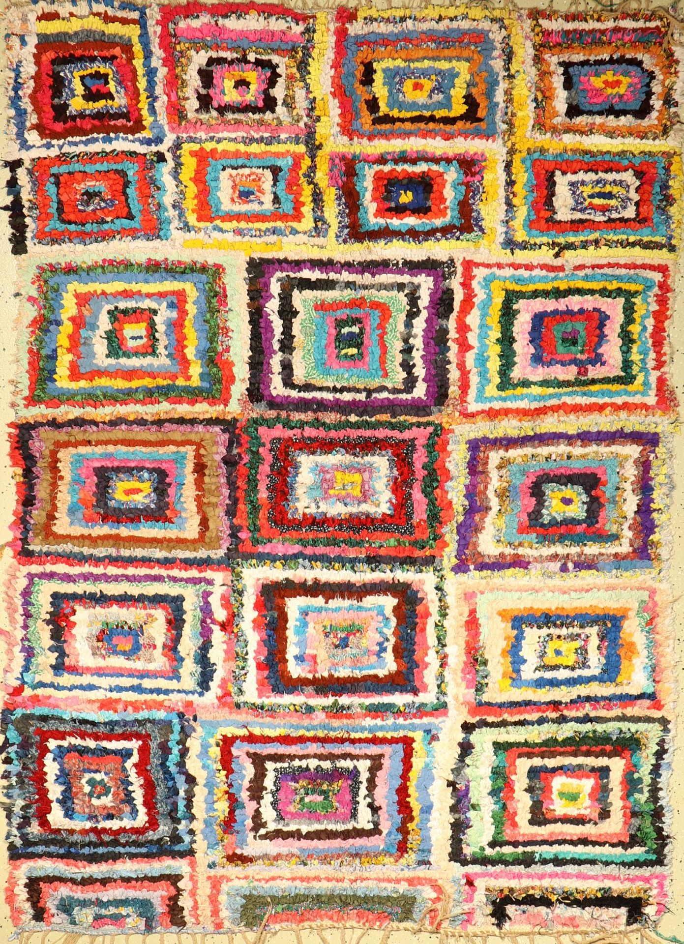 Morocco old, around 1970, fabric knotted on cotton, approx. 240 x 168 cm, condition: 2.