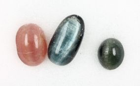 Lot loose tourmaline cat's eyes , total approx. 7.83 ct, different sizes and coloursLot lose