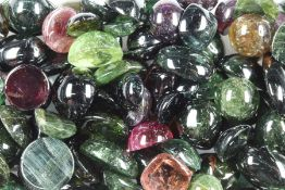 Lot tourmaline-cabochons total approx. 501 ct , different colours and shapes, dismountedKonvolut