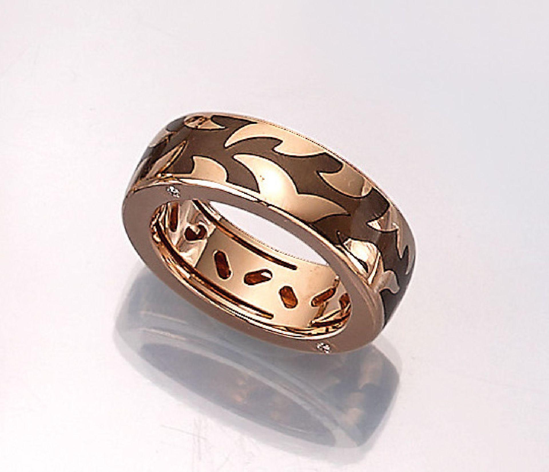 Los 61507 - 18 kt gold LEO WITTWER ring with enamel , RoseG 750/000, brown translucent enameled, 4 brilliants