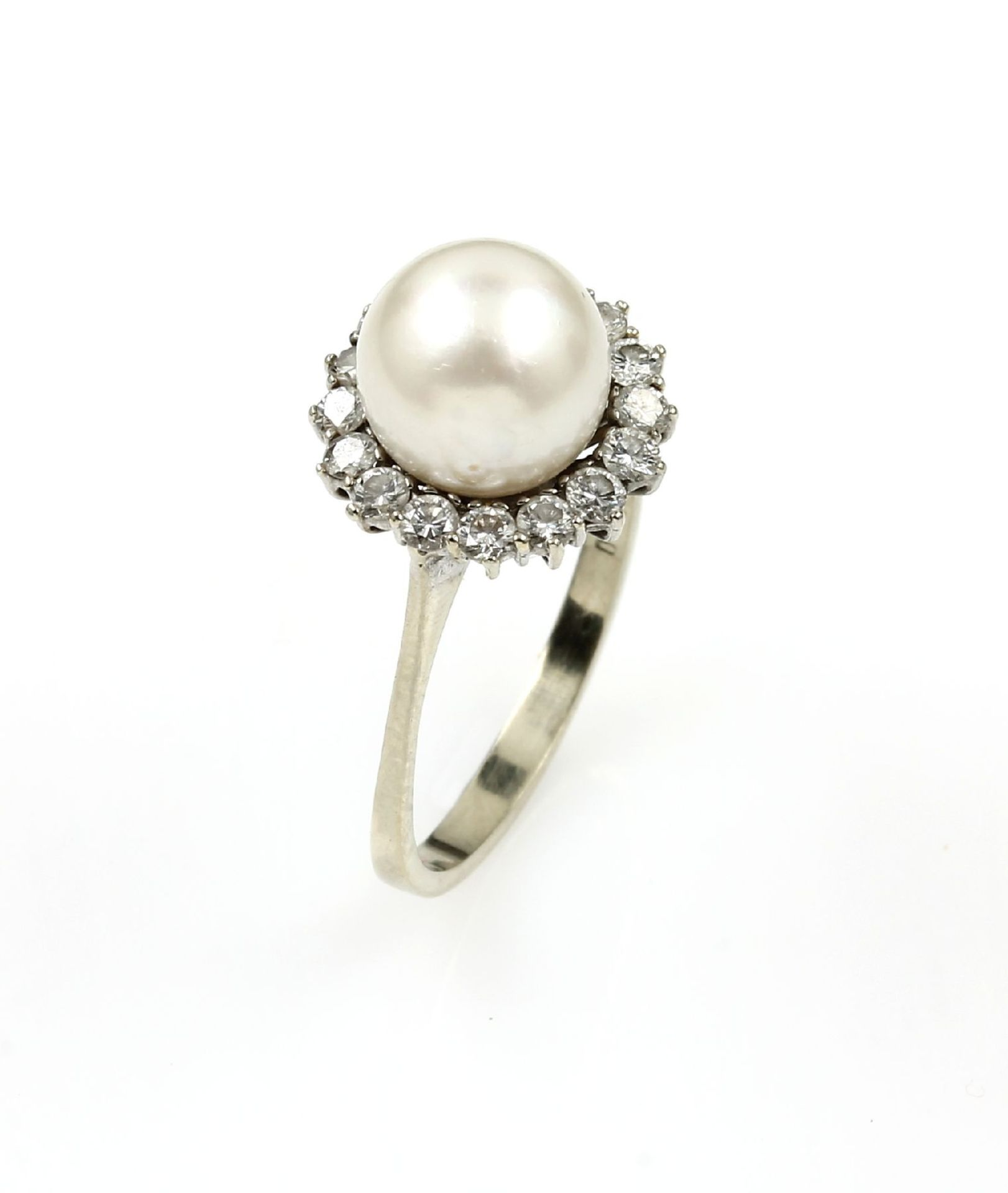 Los 61539 - 18 kt gold ring with cultured pearl and brilliants , WG 750/000, 1 cultured pearl diam. approx. 9.
