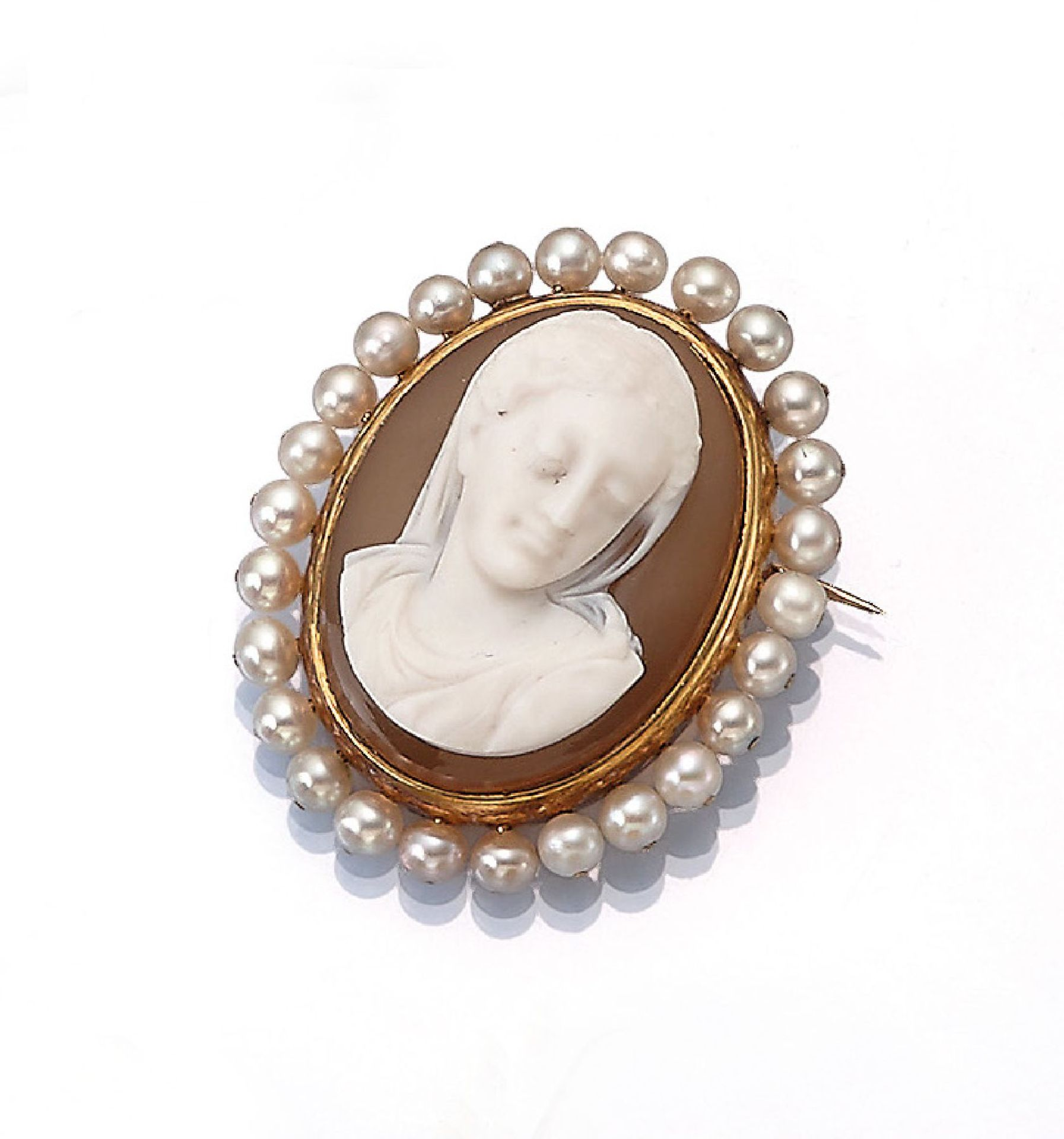 Los 61509 - 14 kt gold brooch with cameo and pearl , YG 585/000, agate cameo, carving, representation of