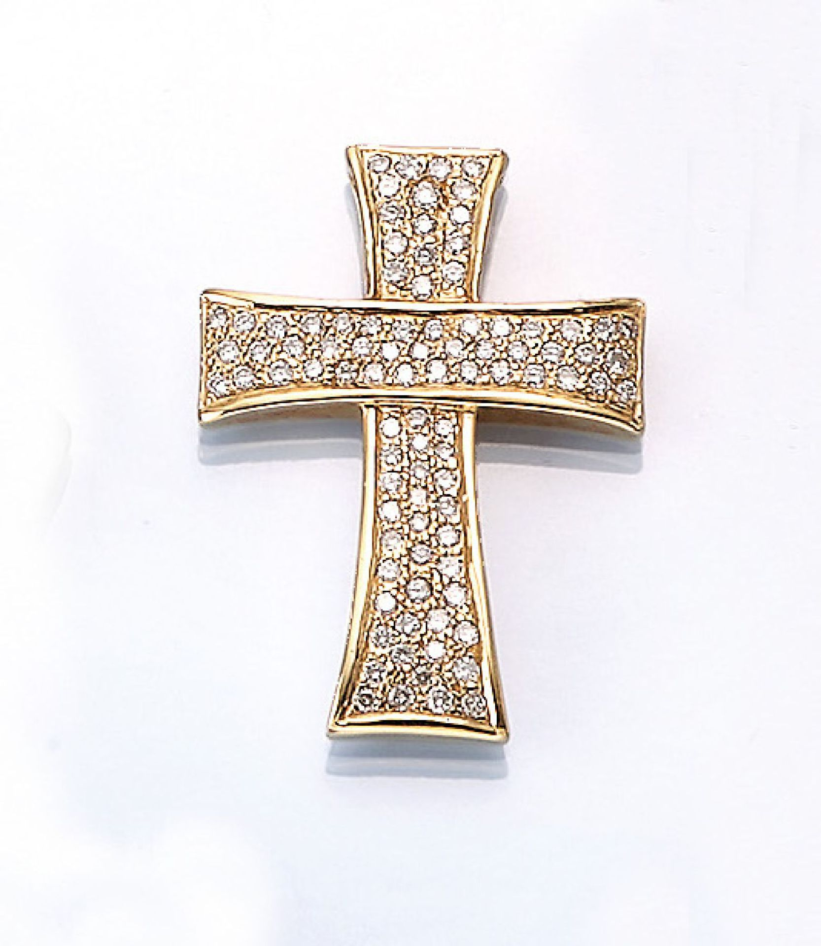 Los 61529 - 18 kt gold cross pendant with diamonds , YG 750/000, 83 diamonds total approx. 1 ct Wesselton/si, l.