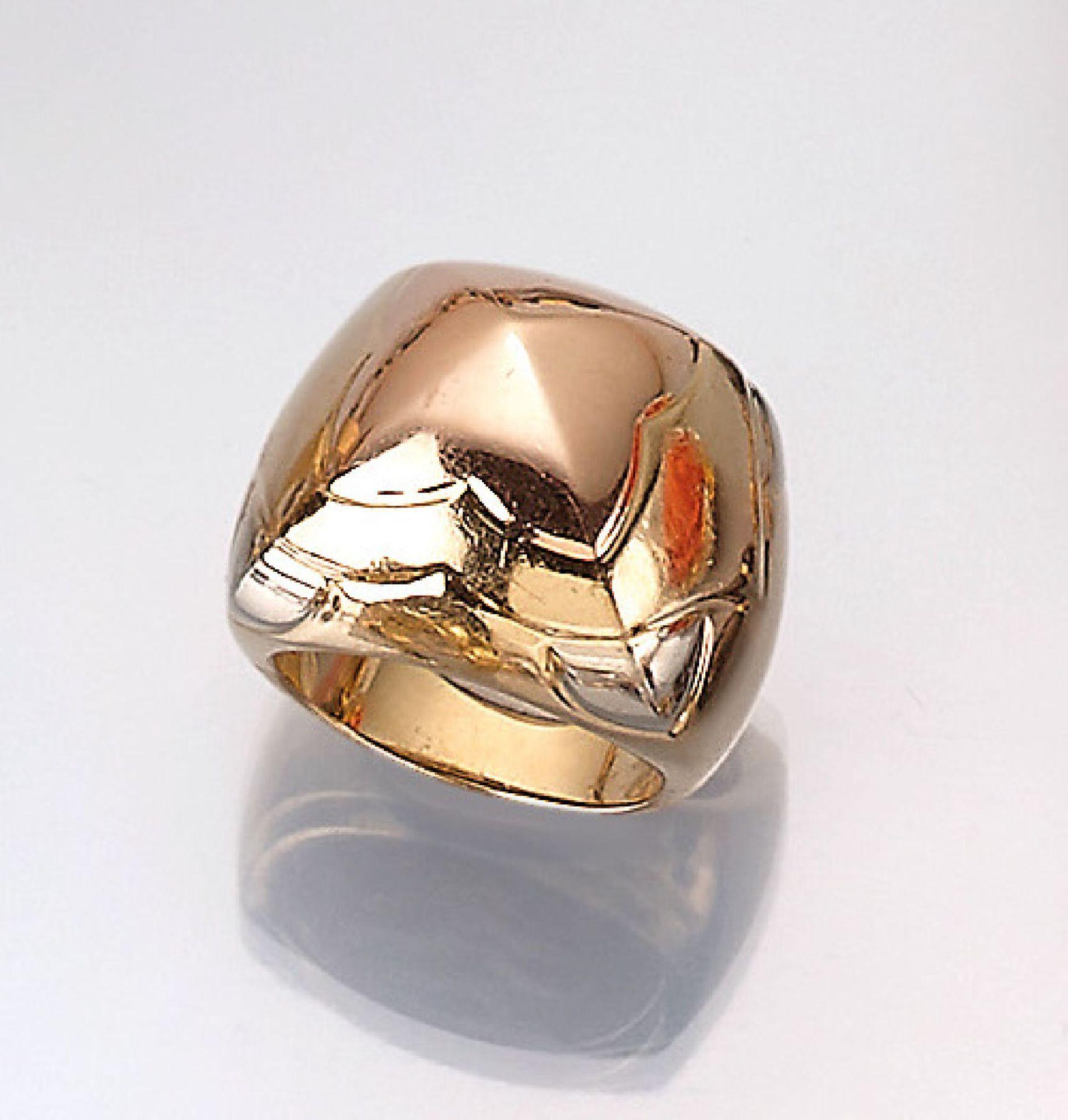 """Los 61503 - 18 kt gold BULGARI ring , """"Pyramid"""", YG/RG/WG 750/000, signed, ringsize 5018 kt Gold BULGARI"""