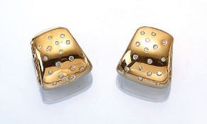 Pair of 18 kt gold earrings with brilliants , YG 750/000, brilliants total approx. 0.50 ct