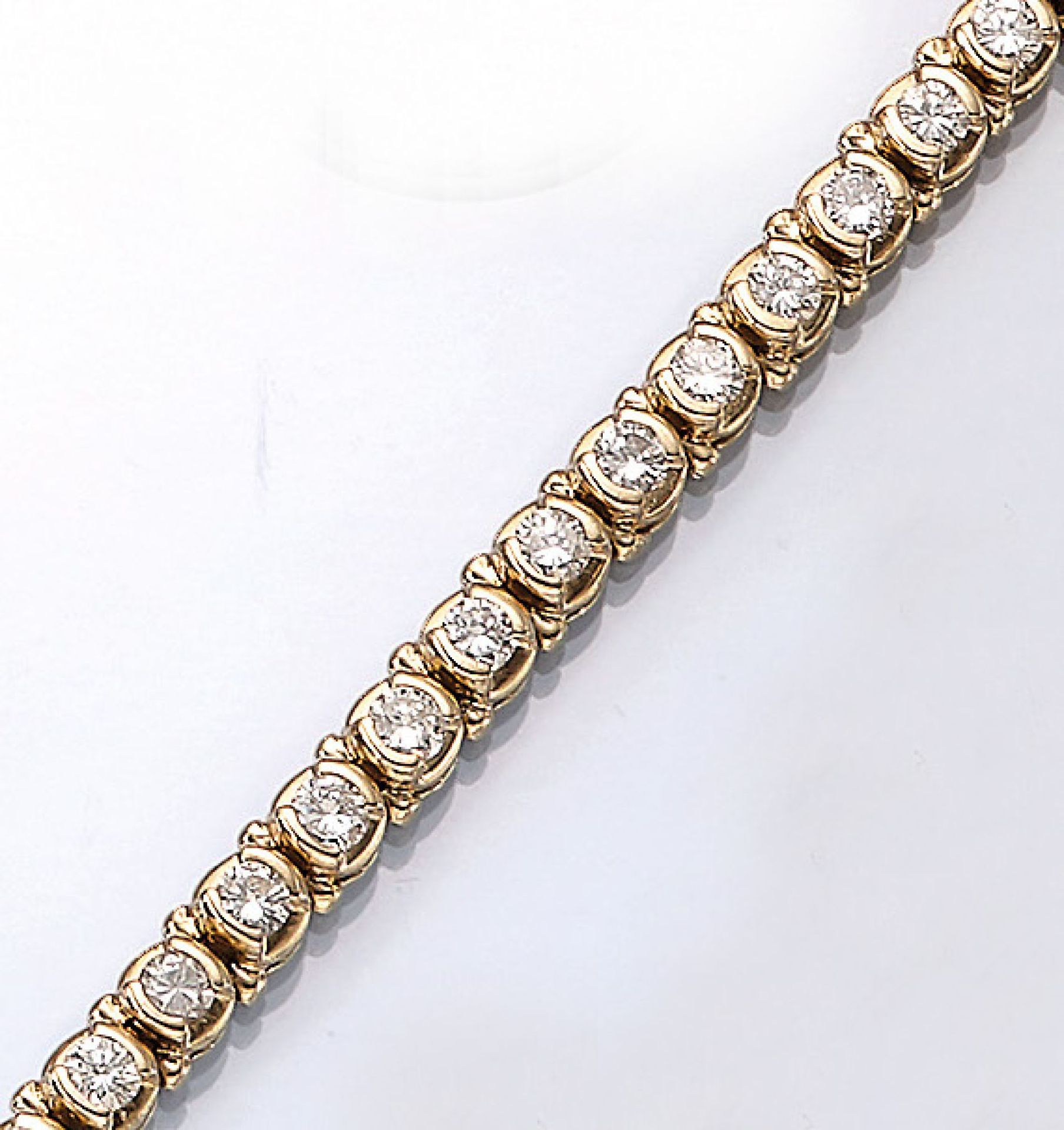 Los 61510 - 14 kt gold bracelet with brilliants , YG 585/000, brilliants total approx. 6.00 ct Wesselton/si-p,