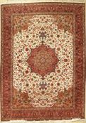 Täbriz 50 RAJ, Persien, ca. 40 Jahre, Korkwolle, ca. 345 x 250 cm, EHZ: 2 (guter Zustand), edel