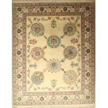 Täbriz fein 60 raj, Persien, ca. 40 Jahre, Korkwolle mit und auf Seide, ca. 250 x 200 cm,EHZ: 2(