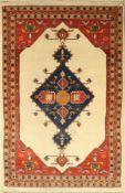 Gabbeh Loribaft, Persien, ca. 30 Jahre, Korkwolle, ca. 205 x 132 cm, EHZ: 2 (Reinigungsbedürfdig)