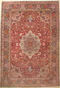 Esfahan fein, Persien, um 1930, Korkwolle, ca. 380 x 258 cm, EHZ: 2. (verblaßt), seltene