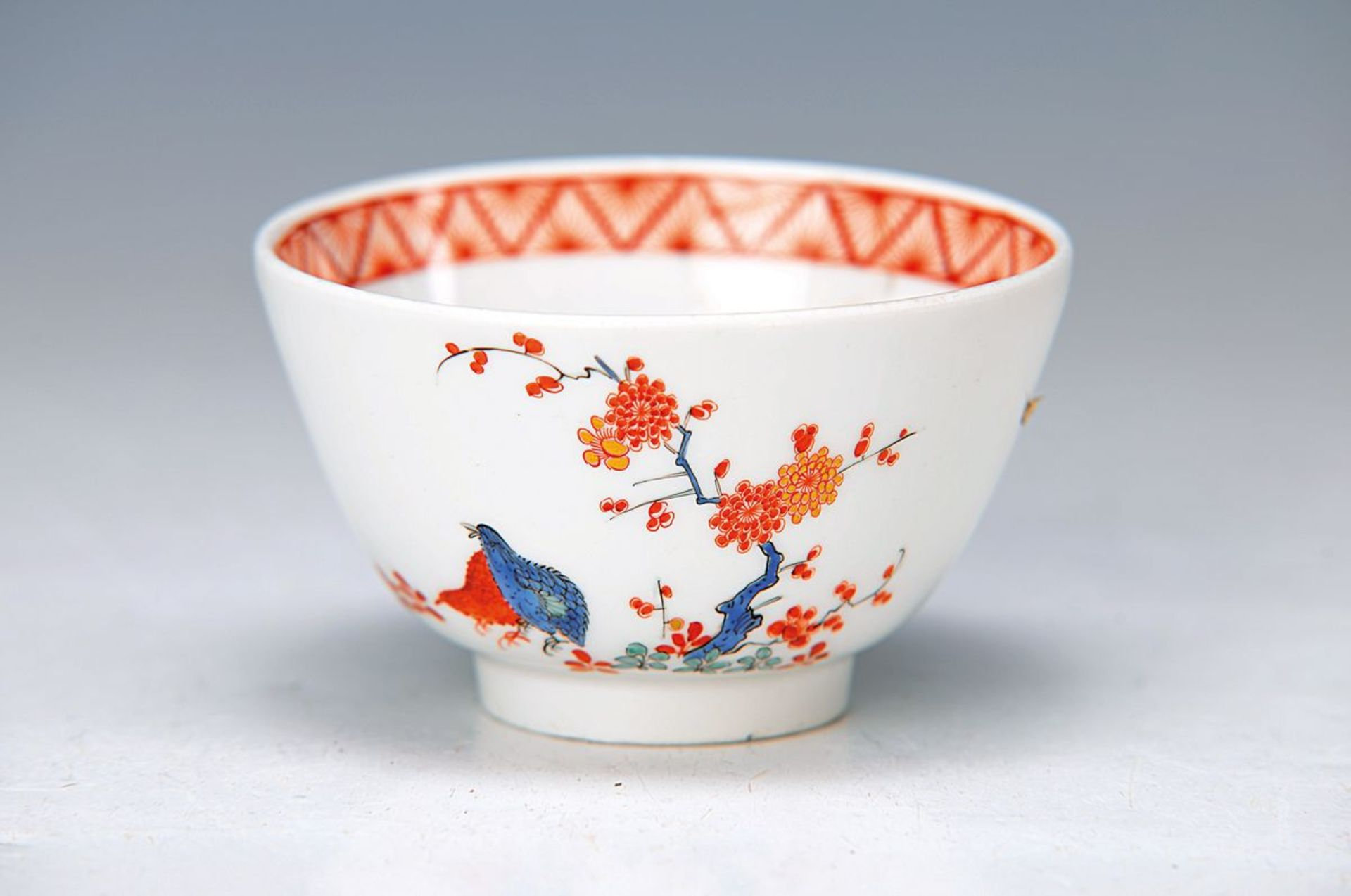 Koppchen, Meissen, um 1720/25, Kakiemondekor, Wachteln und indianische Blüten türkisfarben, blau und