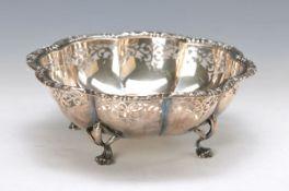Schale, 900er Silber, auf drei Klauenfüßen stehend, Wandung in Durchbrucharbeit, H. ca. 7.5cm, D.
