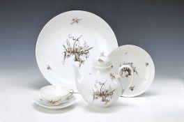Teeservice, Rosenthal, Modell Romanze in Moll, Entwurf Björn Wiinblad, mit braun-goldenem floralem