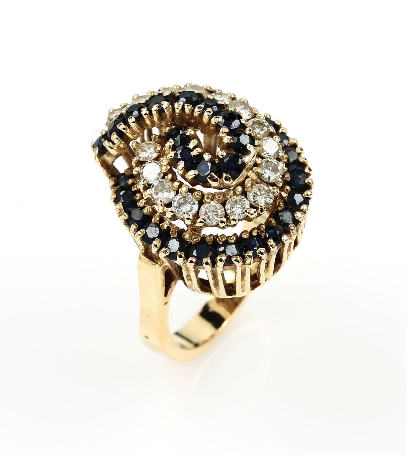 14 kt Gold Ring mit Brillanten und Saphiren, GG 585/000, rundfacett. Saphire zus. ca. 1 ct,
