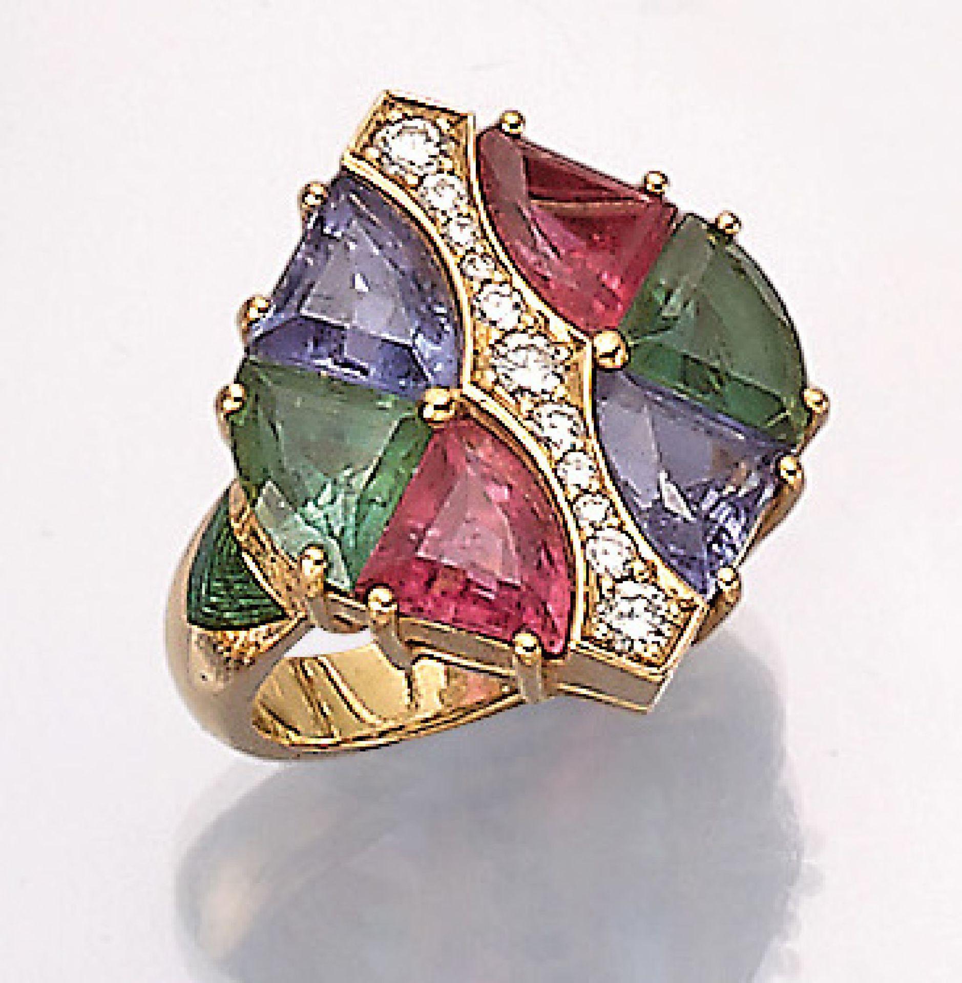 18 kt Gold Ring mit Farbsteinen und Brillanten, GG 750/000, mittig bes. mit 11 Brillanten zus. ca.