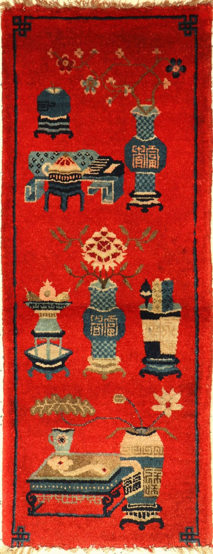 Pao Tao antik, China, um 1900, Wolle auf Baumwolle, ca. 131 x 52 cm, EHZ: 3, unten verkürztPao Tao