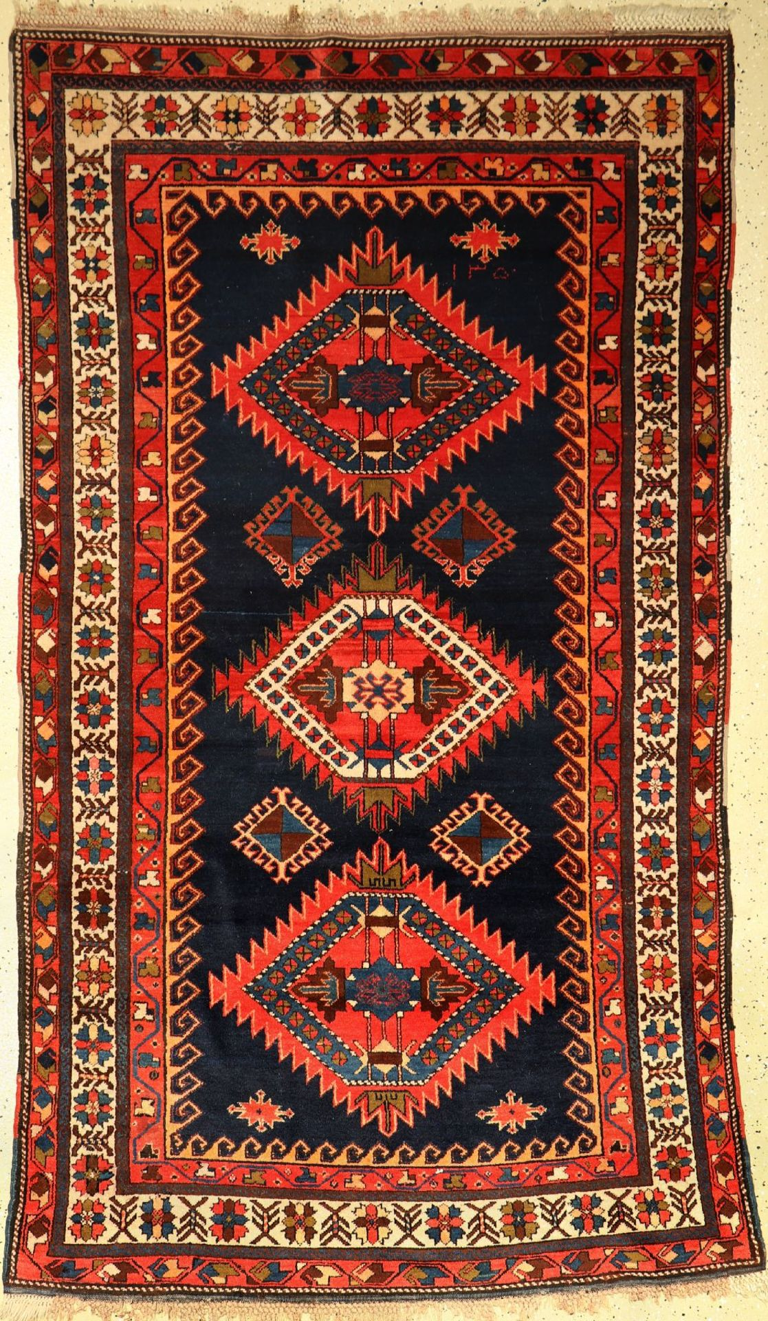 Erivan alt, Kaukasus, um 1930, Wolle auf Wolle, ca. 220 x 130 cm, EHZ: 2-3Erivan old, Caucasus,