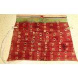 Tibetische Sattelunterlage, (Publiziert), Tibet, 19.Jhd., Baumwolle/Wolle/Filz, ca. 166 x 106 cm,