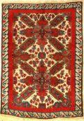Seikur antik, Kaukasus, um 1890, Wolle auf Wolle, ca. 167 x 121 cm, (Alters und Gebrauchsspuren)