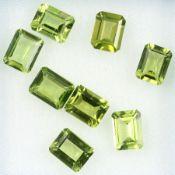 Lot 8 lose facett. Peridots zus. 19.26 ct, im Emerald-Cut Schätzpreis: 2000, - EUR