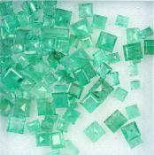 Lot lose facett. Smaragde zus. 22.37 ct, inversch. Formen, Größen und Farben Schätzpreis: 1700, -