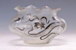 Schale, Österreich, wohl Loetz, um 1895, farbloses mattiertes Glas, aufgelegter floraler