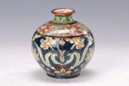 Vase, Franz Anton Mehlem Bonn, um 1910, Modell Old Dutch, Feinsteingut, mit buntem floralem Dekor,