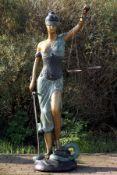 Justitia, Bronze, goldbraun, anthrazitfarben u. grünlich patiniert, mit Waage u. Richtschwert,