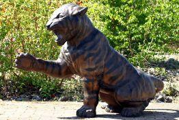 Tiger, Bronze, braun, goldbraun u. anthrazitfarben patiniert, naturalistisch- idealistische