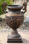 Vase, Bronze, braun, dunkelbraun u. goldbraun patiniert, Henkel in Tatzenform gestaltet,