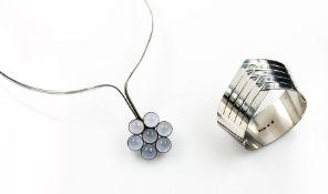 Designer Konvolut mit Mondsteinen, Meistermarke Kaunis Koru Oy Finnland, Silber, best. aus: