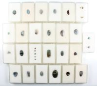 Lot 31 lose Boulderopale, versch. Größen und Formen, u.a. oval, tropfenf., Antikschliff und