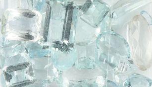 Lot lose Aquamarine, zus. ca. 112.5 ct, versch. Größen und Schliffarten