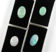 Konvolut 4 Opale, zus. ca. 37.6 ct, best. aus: 4 x ovale Opalcabochons in versch. Größen, Farbspiele