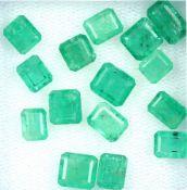 Lot 15 lose Smaragde, zus. ca. 11.26 ct, rechteckig