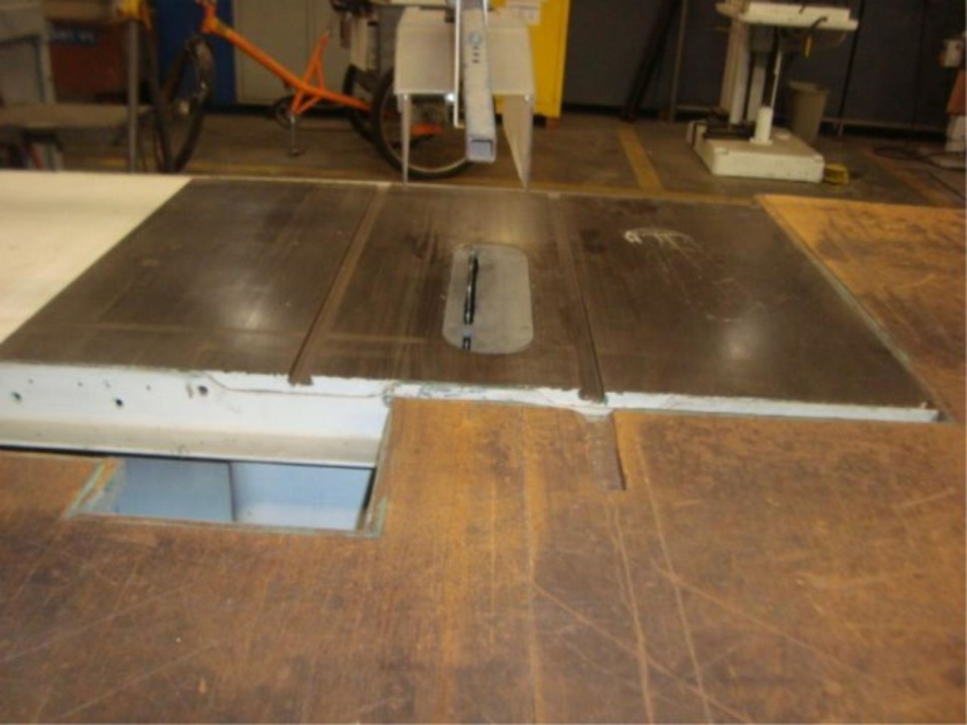 """Lot 156 - Heavy Duty Table Saw With 12"""" Blade"""