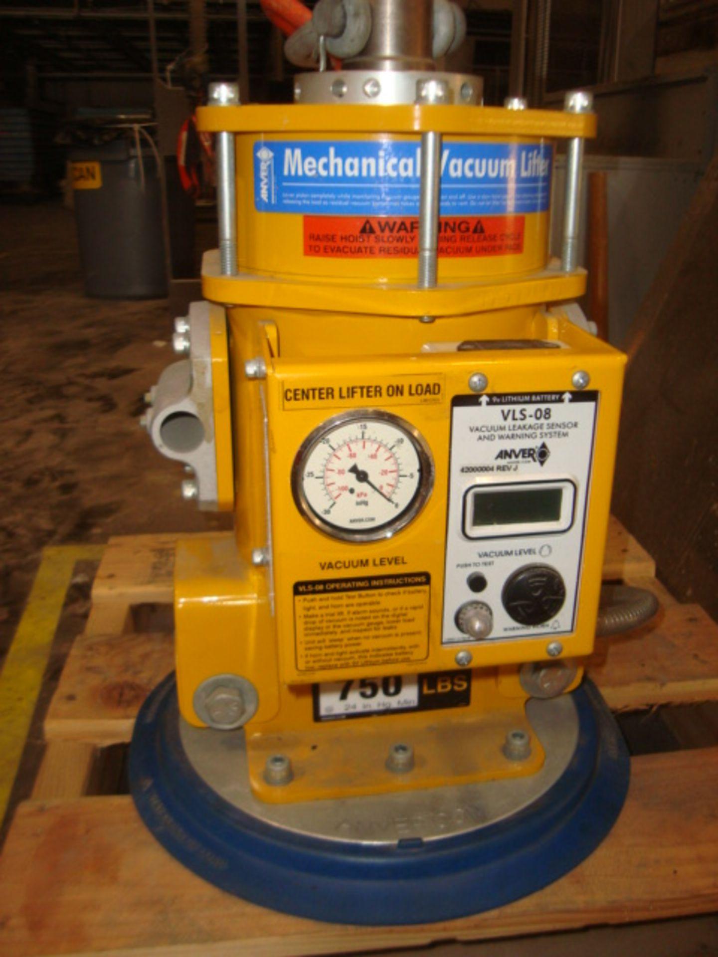 Lot 101 - Mechanical Vacuum Lifter