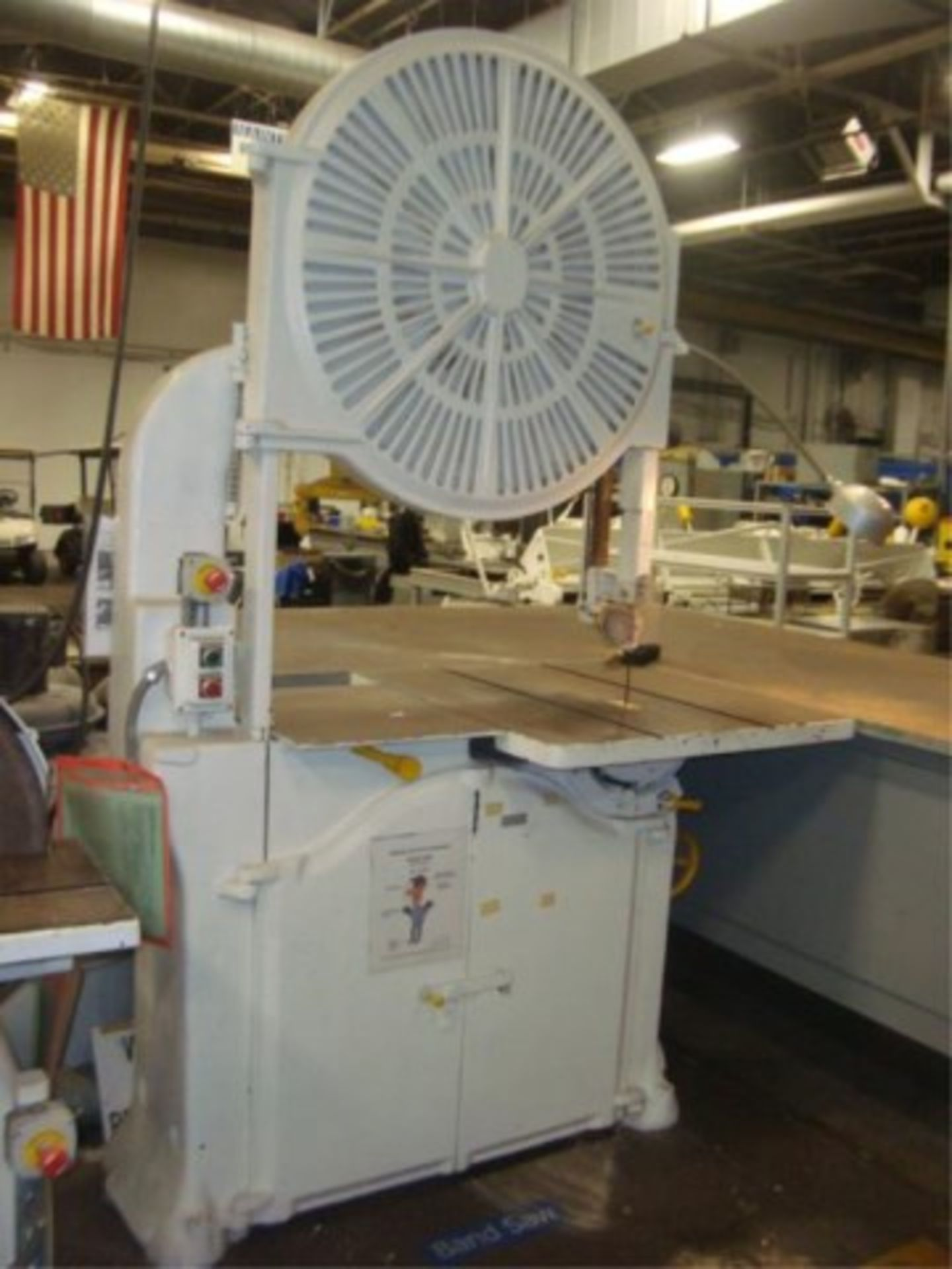 Lot 153 - Heavy Duty Vertical Band Saw