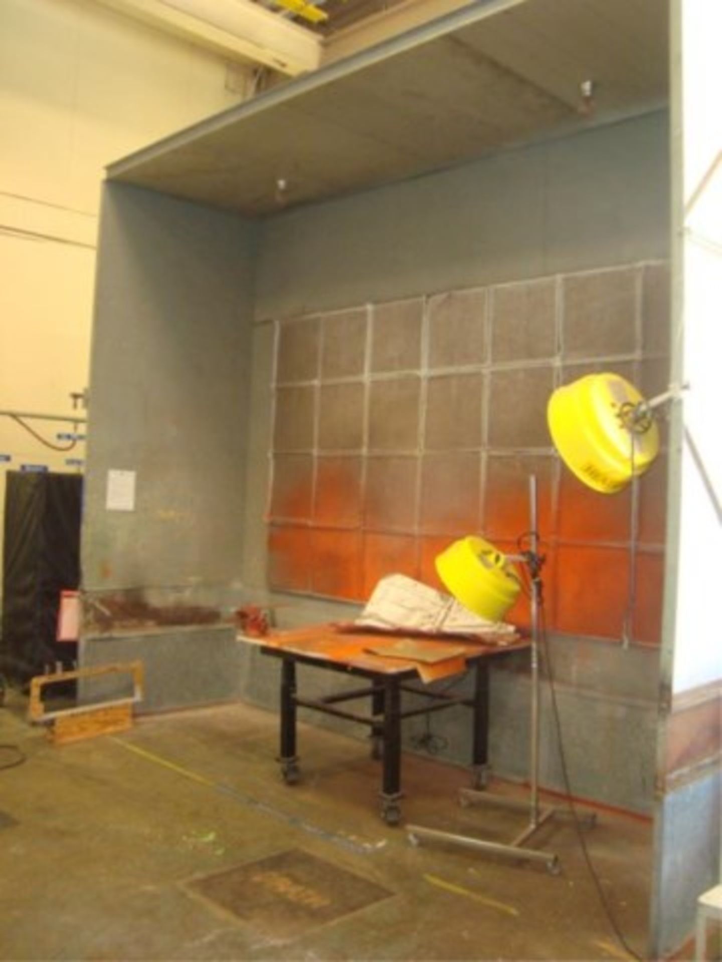 Lot 120 - Paint Spray Booth