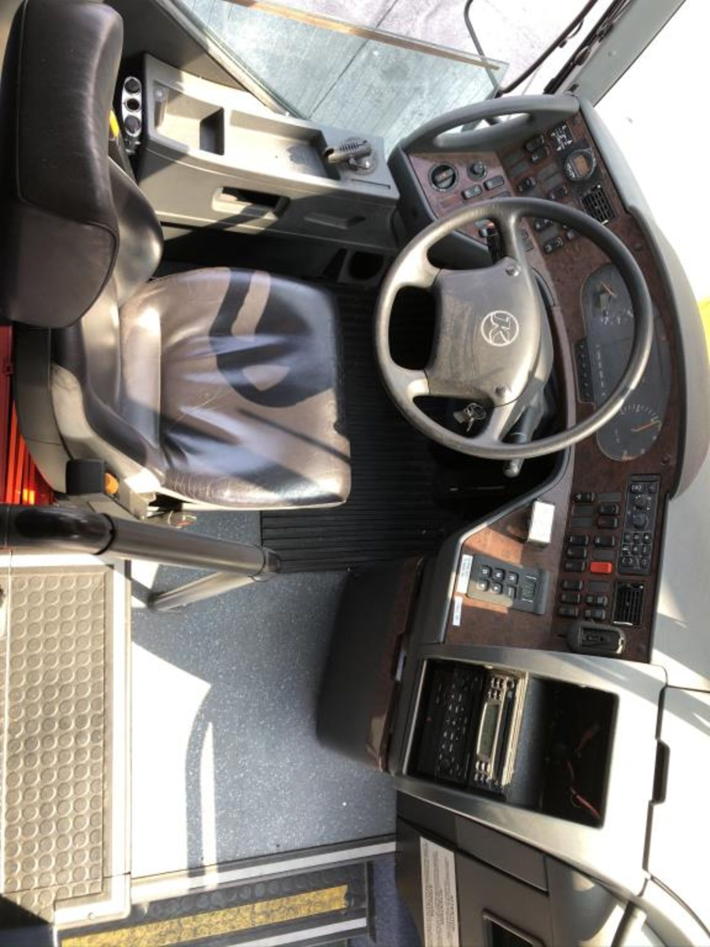 Motor Coach - Image 12 of 19